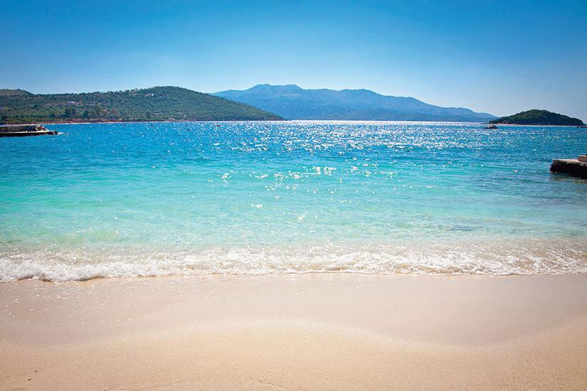 image Albanie Ksamil belle plage de sable  fo