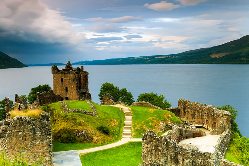 image Angleterre Loch Ness chateau  fo