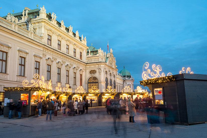 image Autriche Vienne Palais Belvedere Marche Noel  fo