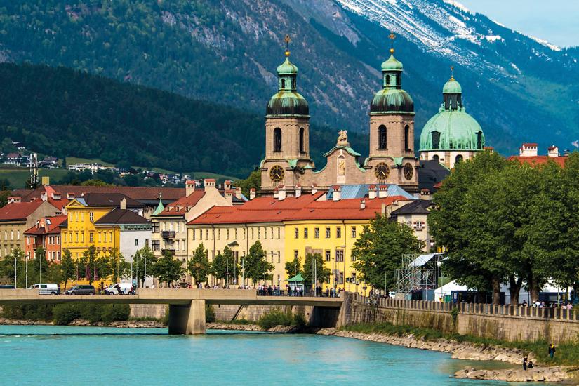 image Autriche innsbruck tyrol altstadt avec dom und inn 45 fo_41733882