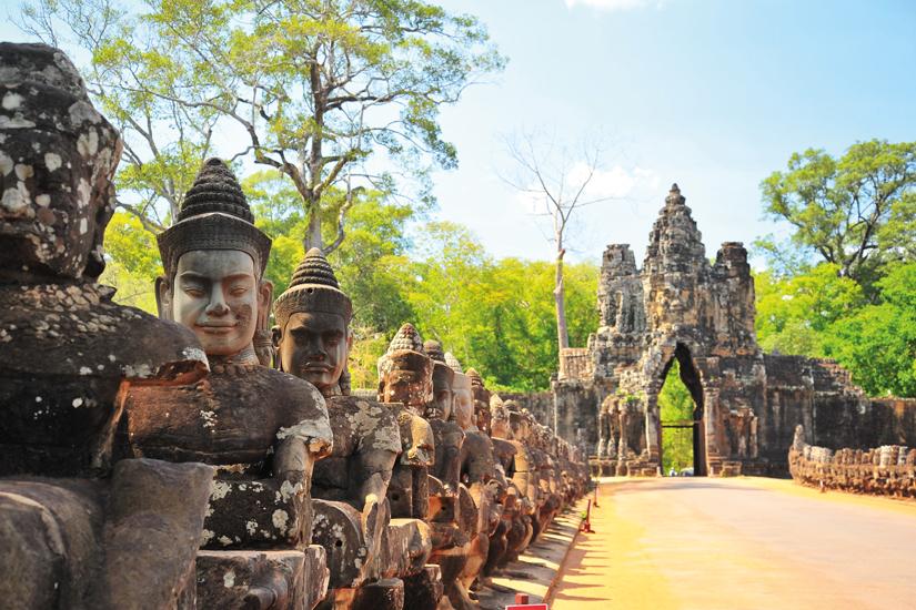 image Cambodge angkor porte pierre angkor thom 10 as_83108116