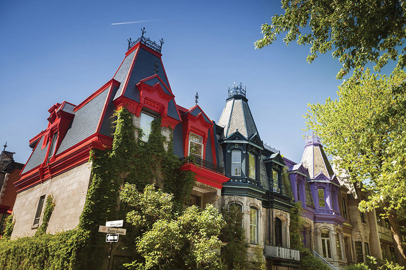 image Canada Montreal rangee de maisons colorees  it