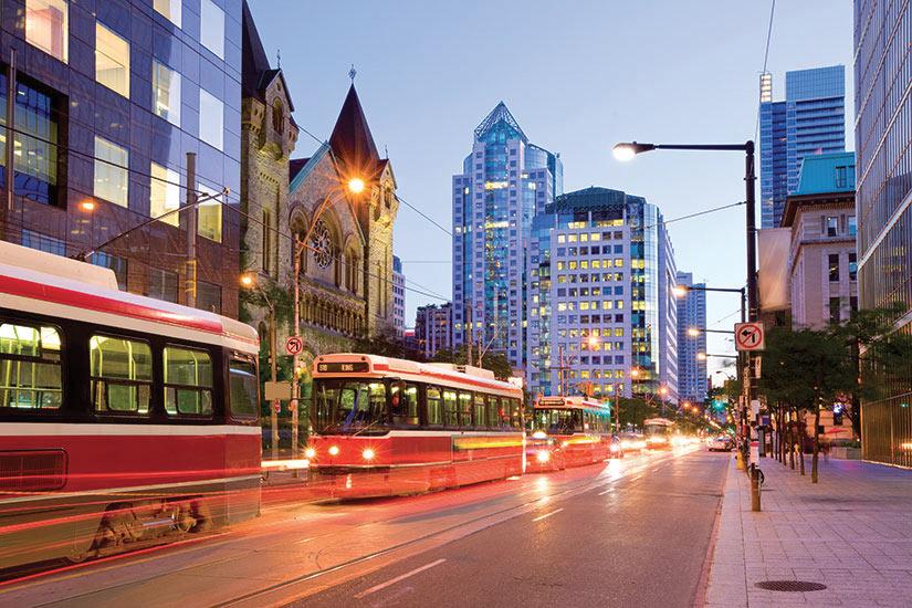 image Canada Toronto rue tramway  it