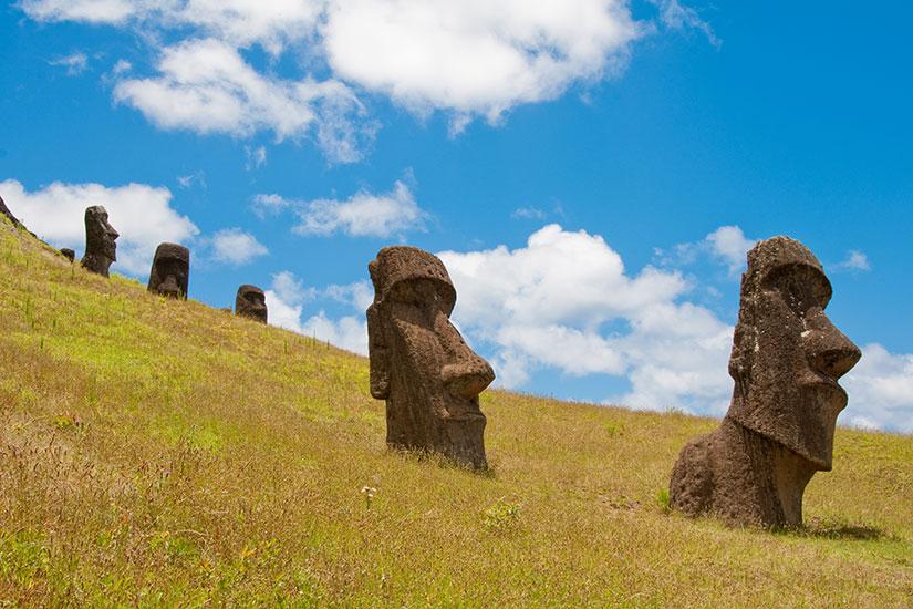 image Chili Ile Paques Moai Rano Raraku volcan  fo