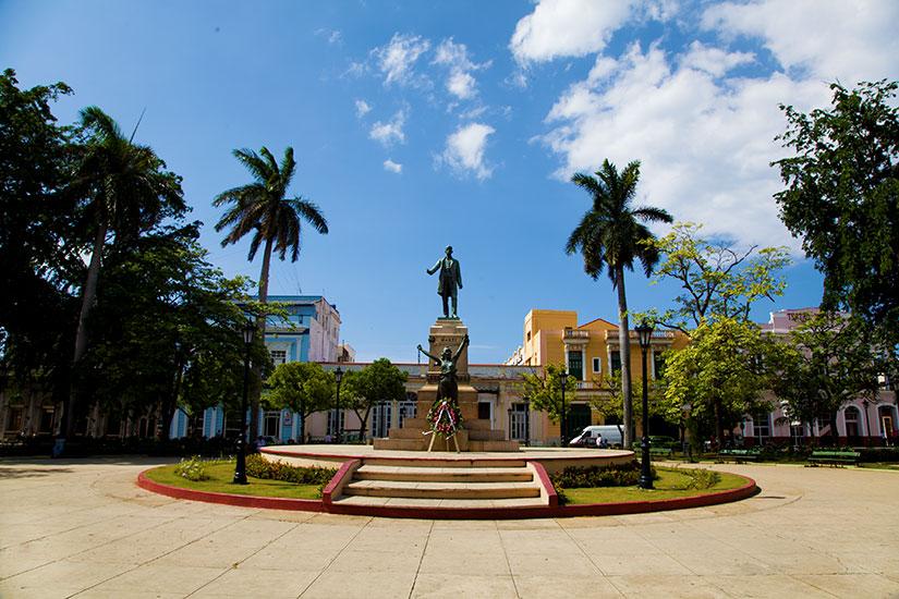 image Cuba Cienfuegos statue  fo