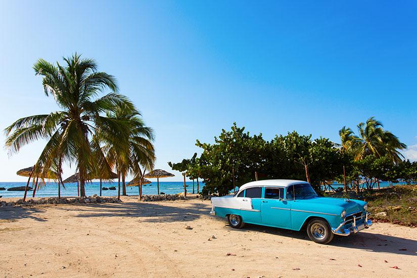 image Cuba Havane voiture plage  it