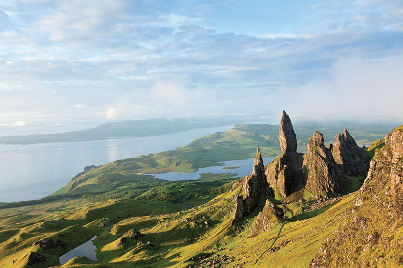 image Ecosse Ile De Skye vue sur old man of Storr  it