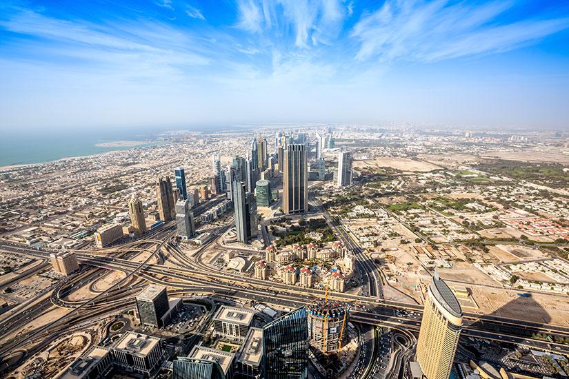 circuit emirats arabes unis oman emirats arabes unis pays de l 39 or noir 9 jours sala n. Black Bedroom Furniture Sets. Home Design Ideas