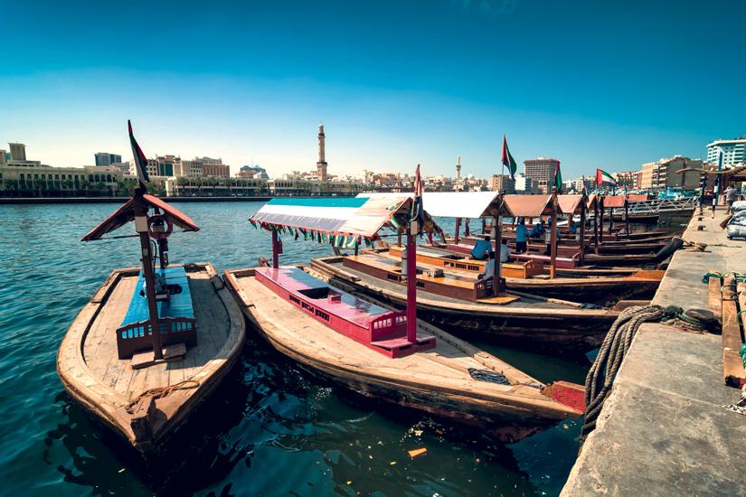 image Emirats arabes unis dubai deira bateaux taxi traditionnels abra 83 as_118801216