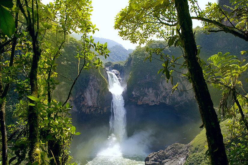 image Equateur San Rafael cascade  it