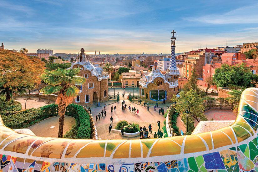 image Espagne Barcelone village de reve concu par l architecte Gaudi  fo
