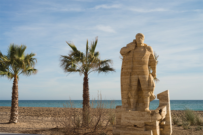 image Espagne Calafell monument au pecheur 02 as_102864647