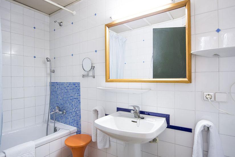image Espagne Lloret de Mar Hotel Xaine Park salle de bain