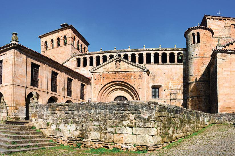 image Espagne Santander Santillana del Mar Eglise  it