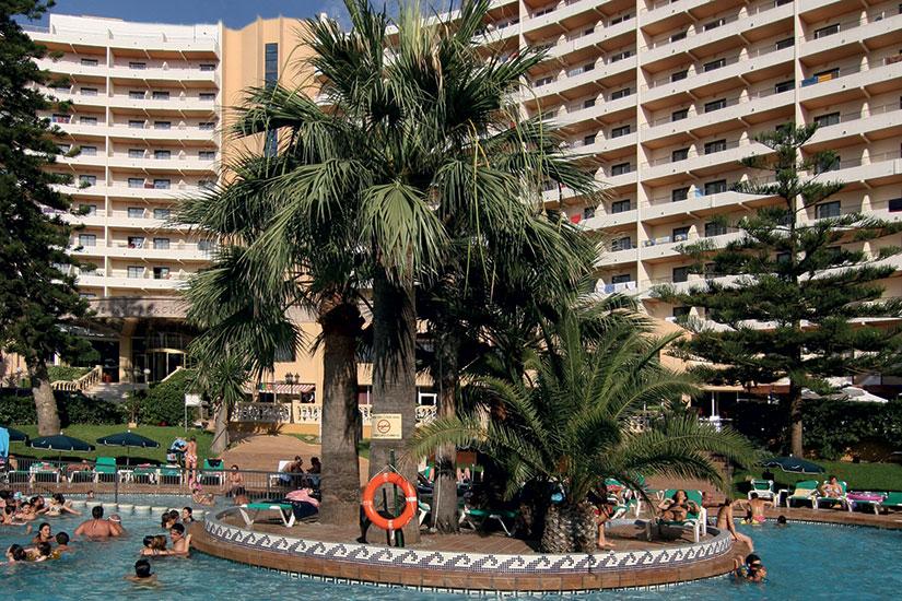 image Espagne hotel palm beach lit piscine