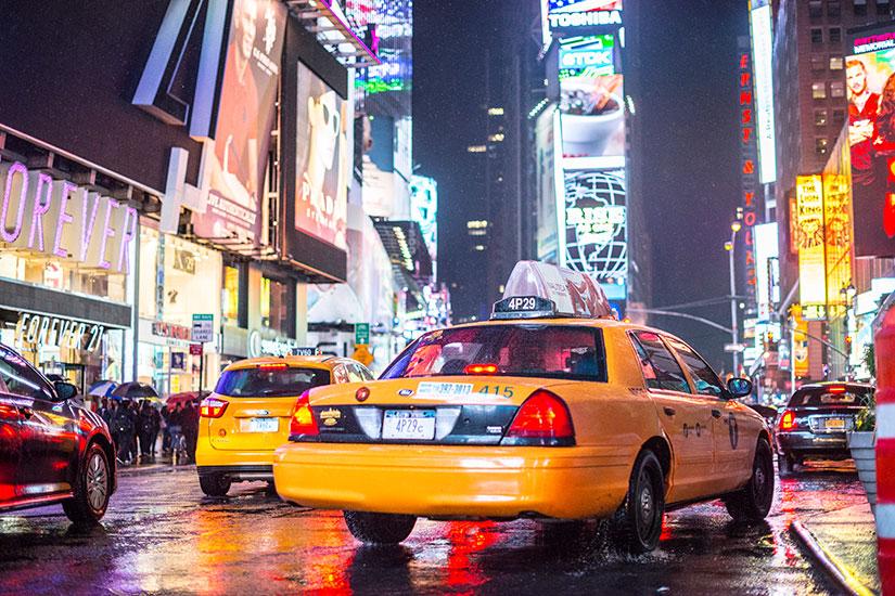 image Etats Unis New York Times Square Taxis jaunes  it