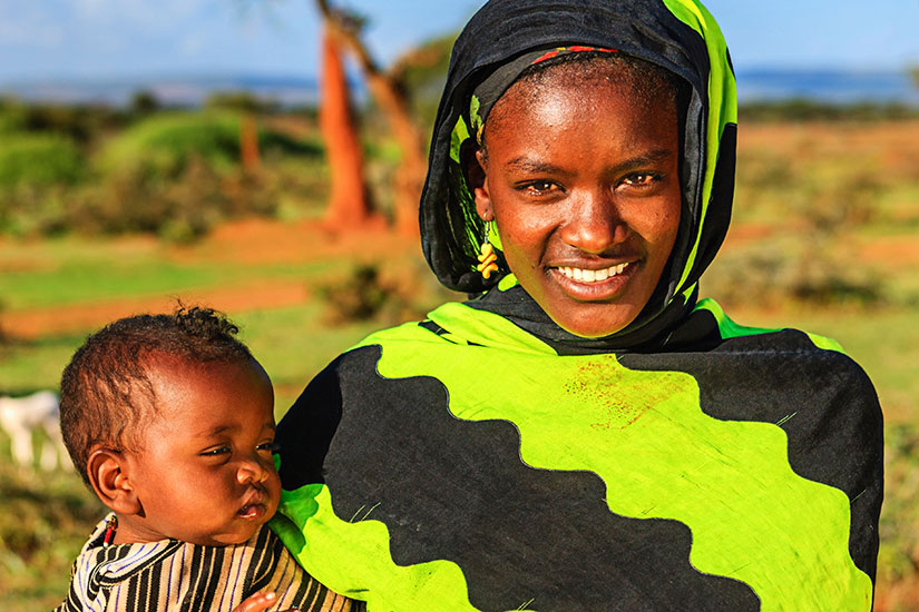 image Ethiopie Femme Borana tribe porter bebe  it
