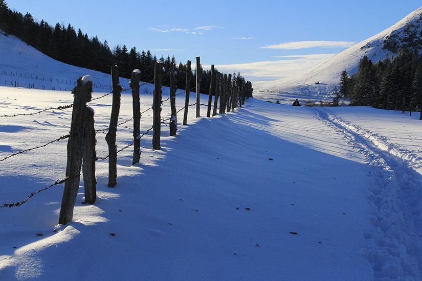 image France Auvergne en hiver 59 as_183496267