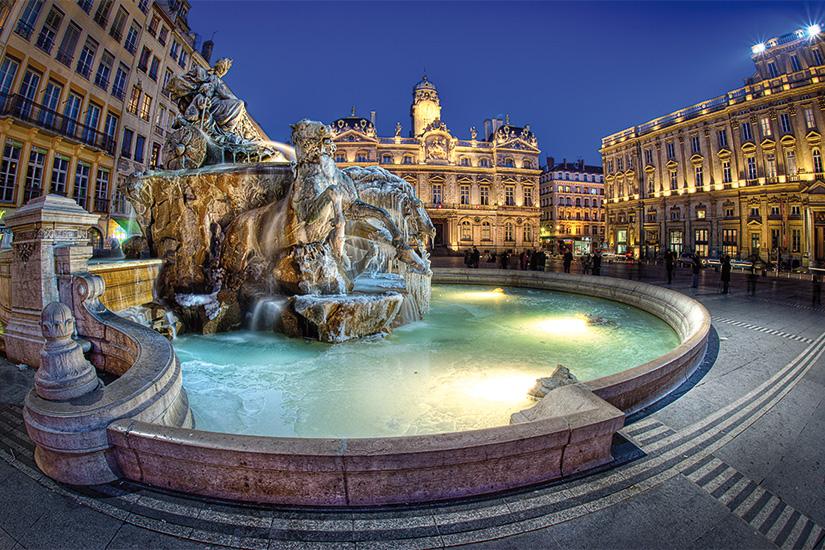 image France Lyon place de l hotel de ville 07 fo_79012970