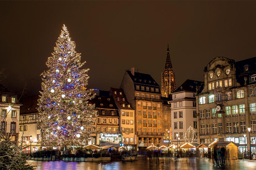 image France Strasbourg arbre de Noel Place Kleber 12 as_47433350