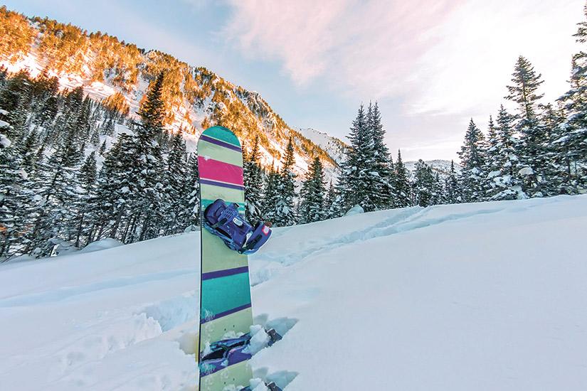 image France les aples coucher de soleil hiver neige courchevel faire du snowboard 23 it_637732342