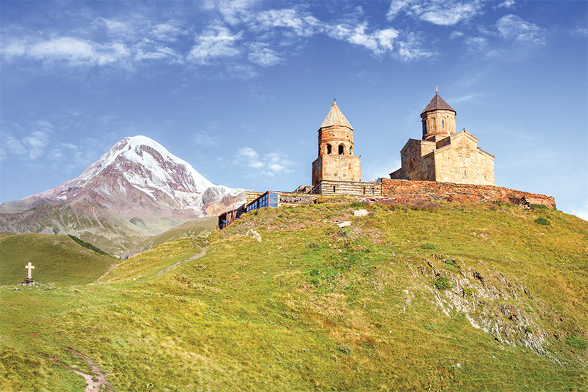 image Georgie Kazbegi eglise de la Trinite de Guergeti et mont Kazbek 28 as_189732748