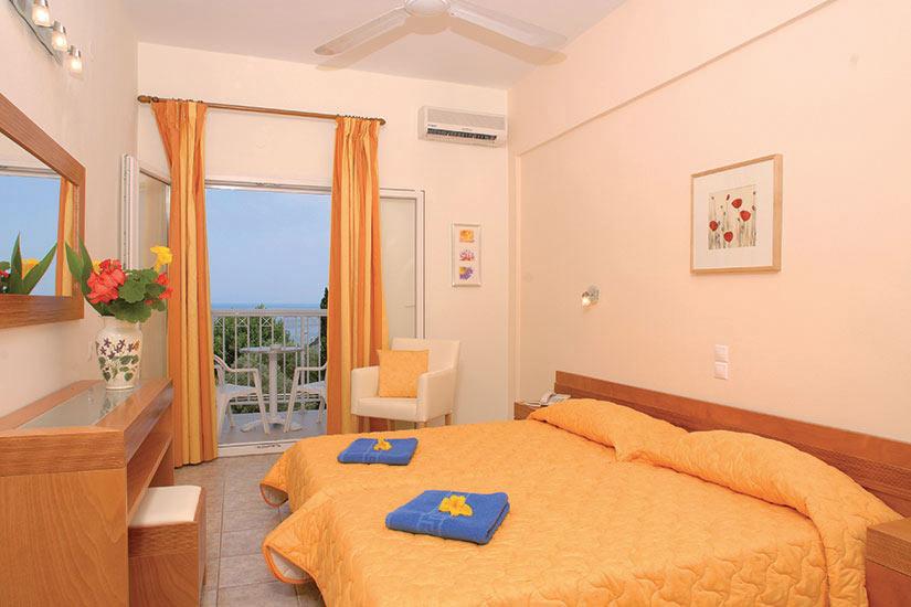 image Grece Corfu Hotel Ipsos Beach room