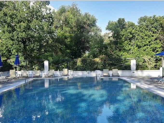 image Grece corfou hotel ipsos beach piscine