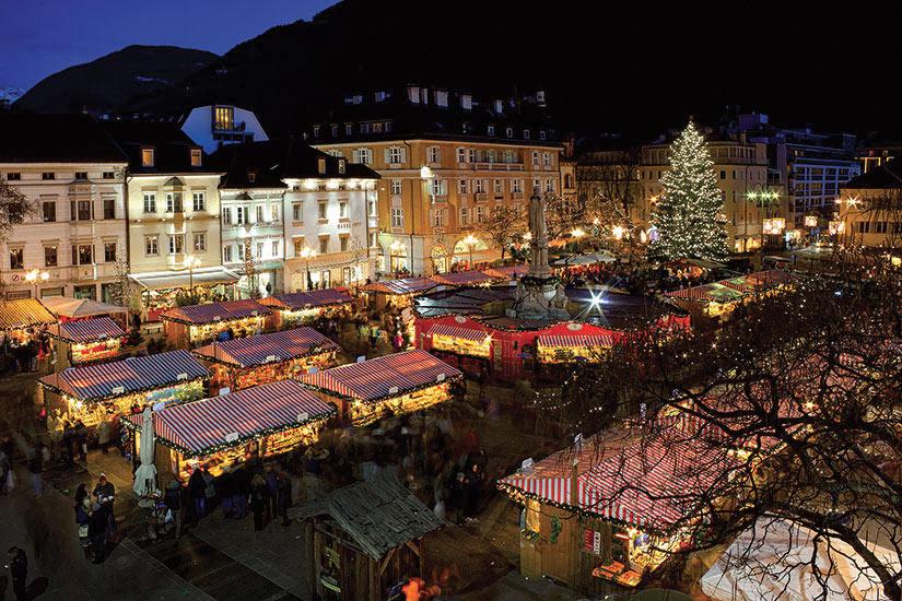 image Italie Bolzano marche de Noel  fo