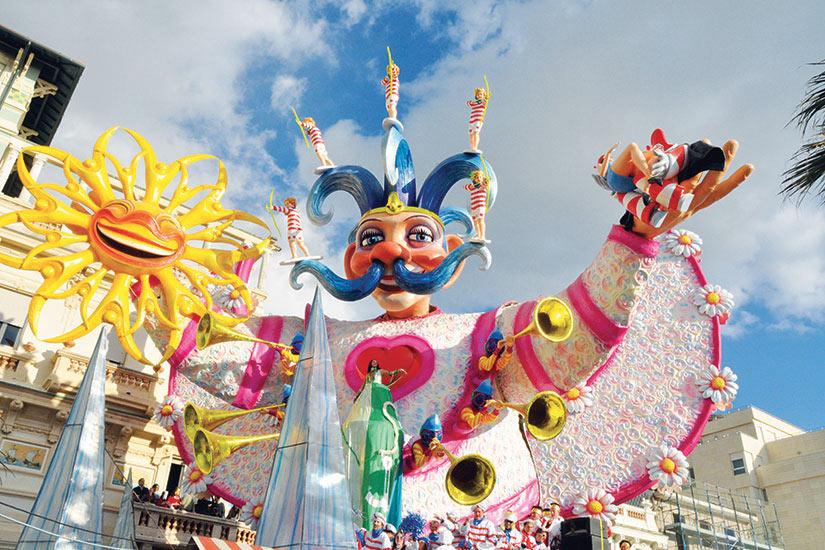image Italie Carnaval Viareggio bouffon  fo