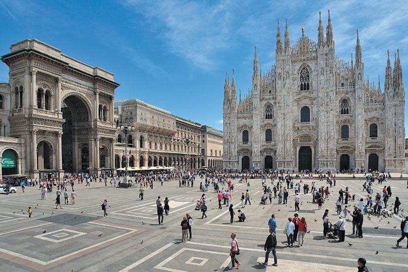 image Italie Milan Place Dome et Galleria Vittorio Emanuele  fo