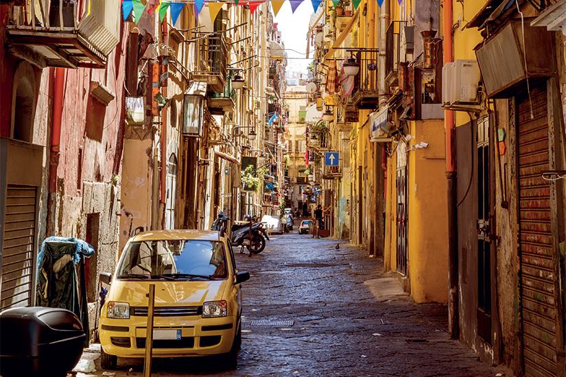 image Italie Naples Ruelle dans la vieille ville 11 as_119204070