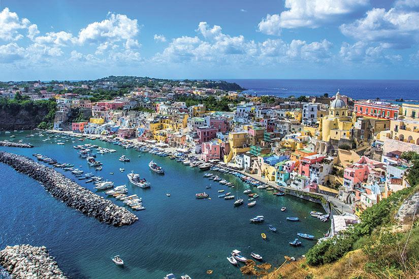 image Italie Procida Belle ile dans la mer Tyrrhenienne  fo