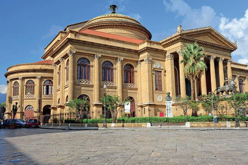 image Italie Sicile Palerme theatre massimo  it