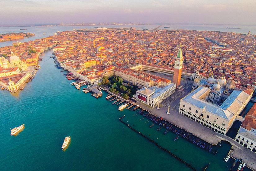 image Italie Venise Vue aerienne le place Saint Marc  it