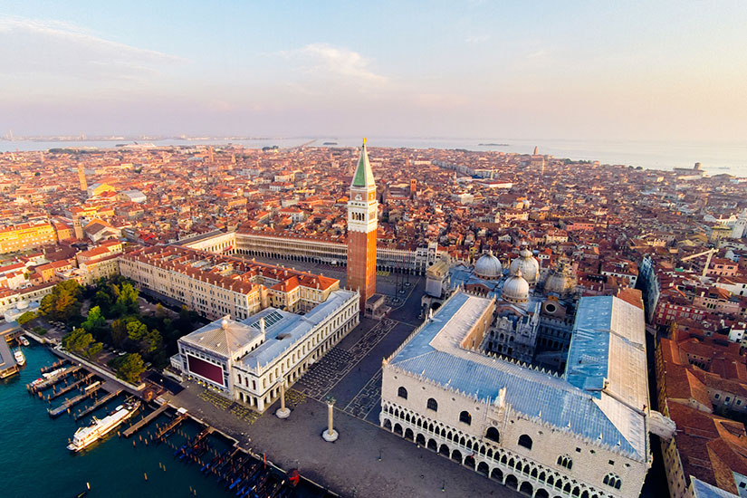 image Italie Venise place saint Marc  it