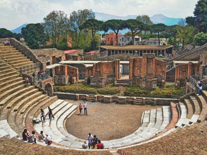 image Italie pompei theatre