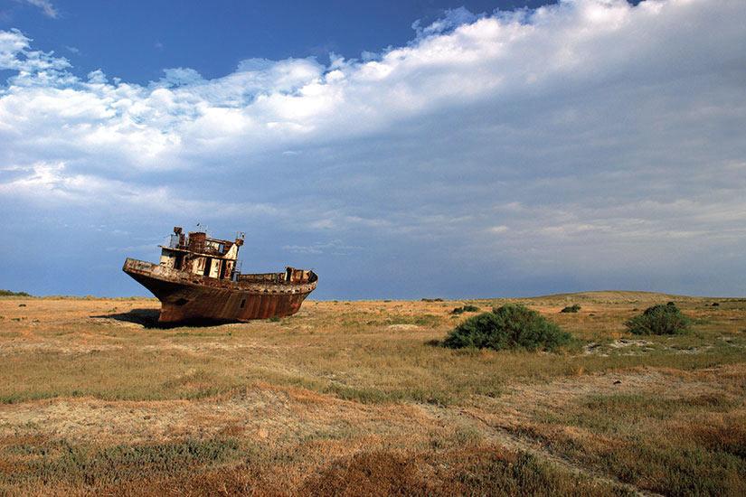 image Kazakhstan Desert Aral bateau rouille  fo