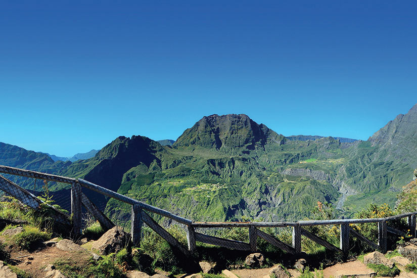 image La Reunion panoramique du cirque de Mafate  fo