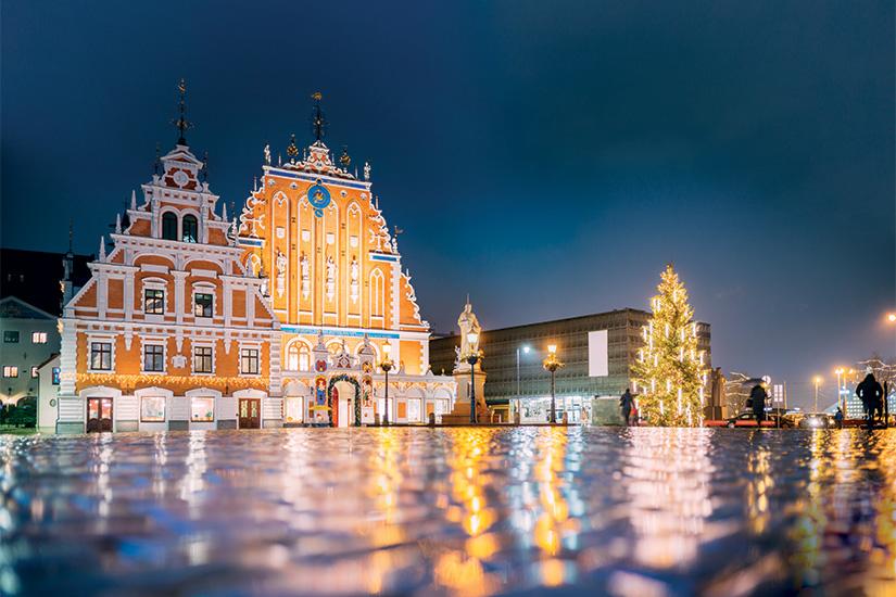 image Lettonie Riga place de la mairie 17 as_188530990