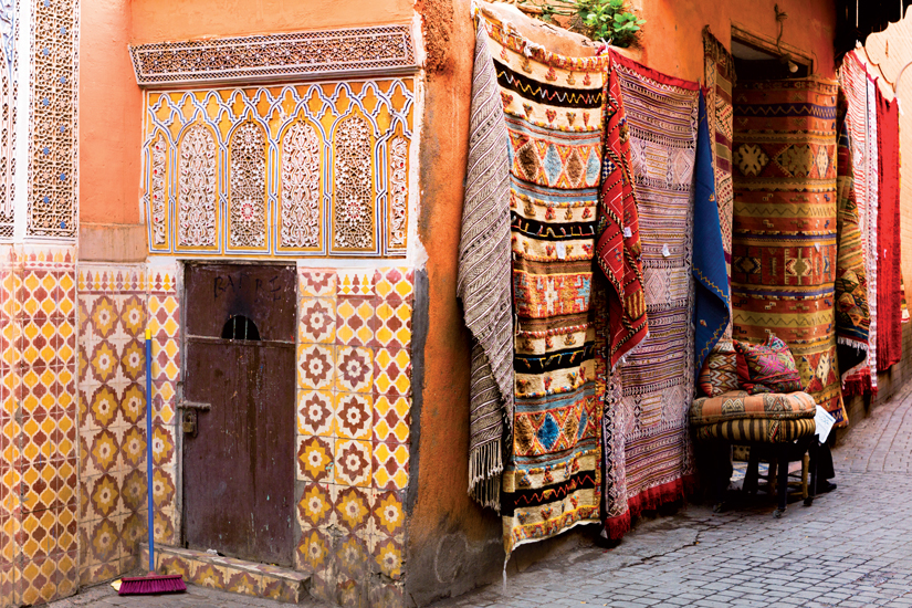 image Maroc marrakech tapis ancien mur carrele 92 fo_65235017