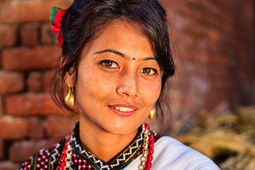 image Nepal Bhaktapour femme robe traditionnelle  it
