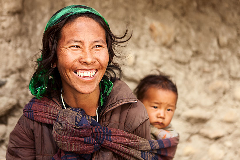 image Nepal Tibetain mere enfant  it