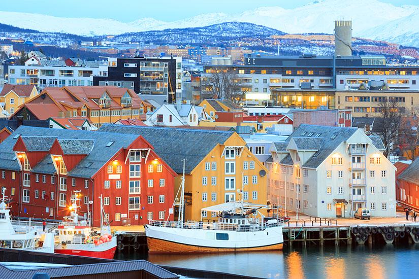 image Norvege Tromso horizont urbain  it