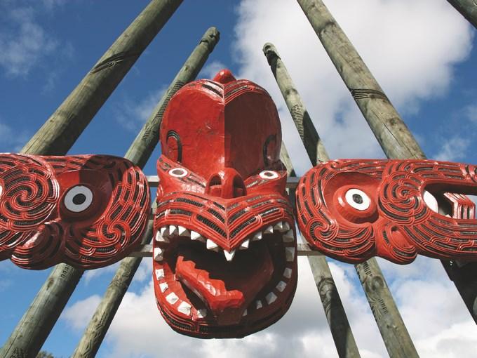 image Nouvelle zelande sculpture maorie