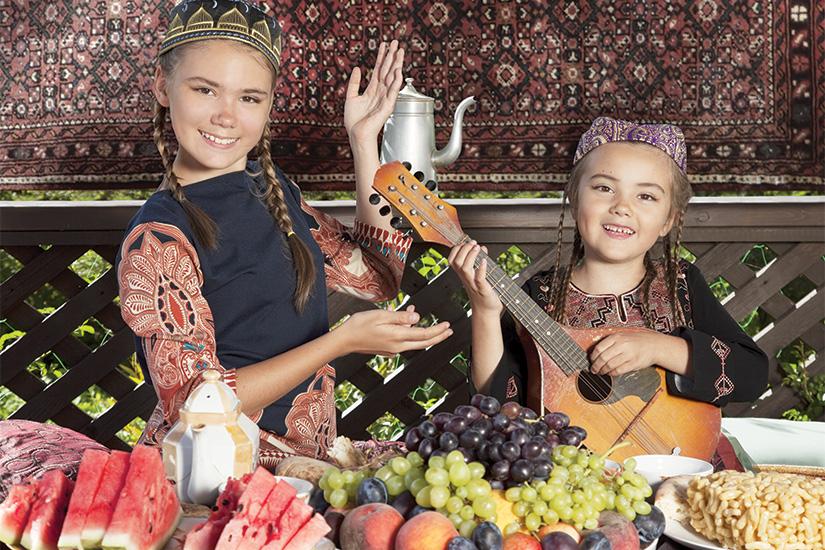 image Ouzbekistan Enfants jouant de la mandoline 73 as_91342174