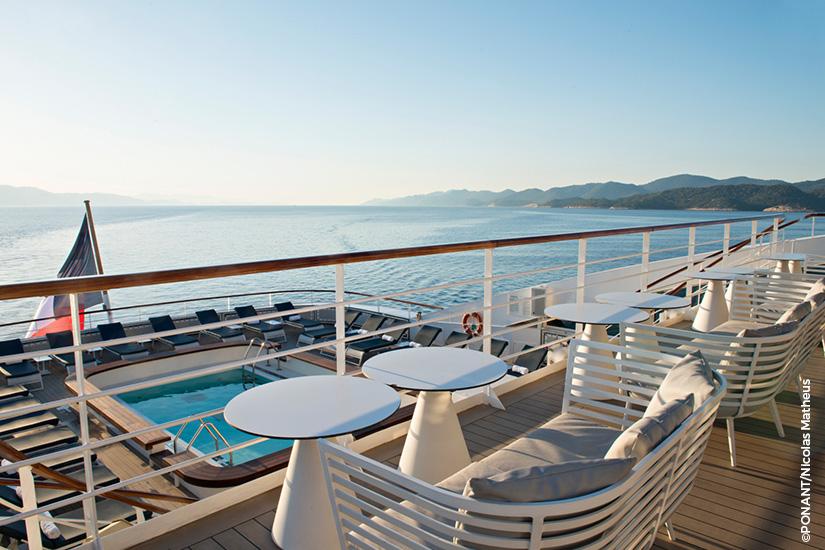 image PONANT navire Lyrial vue exterieure Mediterranee