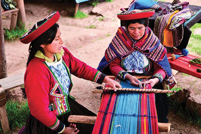 image Perou Chinchero Femme peruvien tissage  it