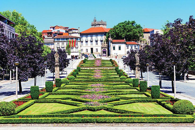 image Portugal Guimaraes Jardin  fo