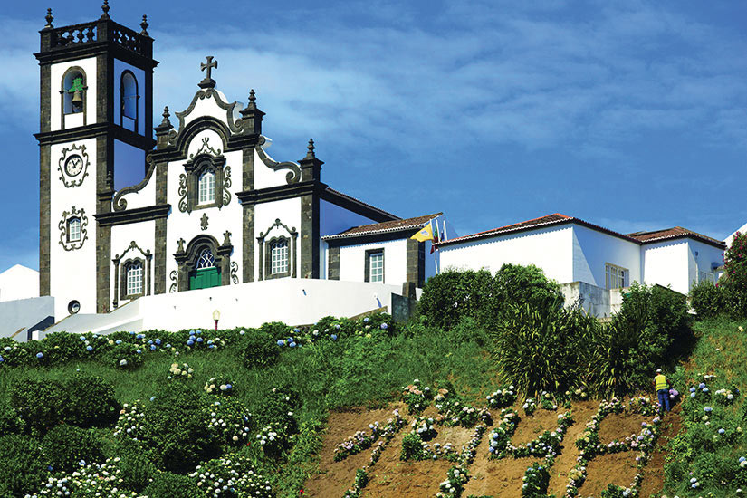 image Portugal Ile Sao Miguel Porto Eglise  fo